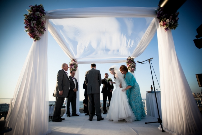 wedding design chuppah with flowers olla designs