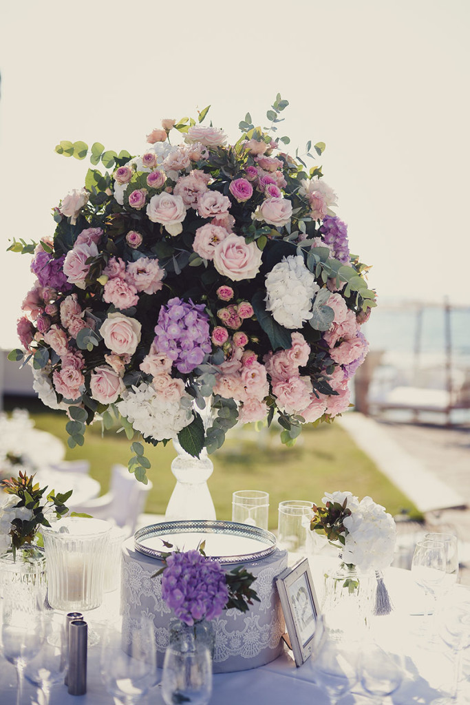 wedding decoration with flowers Olla designs Israel